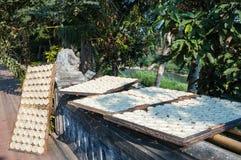 Trocknende Reiskuchen, Luang Prabang, Laos Stockbilder