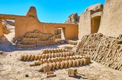 Trocknende Schlammziegelsteine, Rayen-Festung, der Iran Stockbild