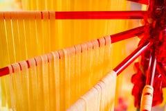 Trocknende selbst gemacht italienische Teigwaren Stockbild