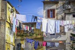 Trocknende Wäscherei in den Küstenstädten Stockfotografie
