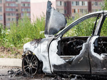 Troep van het de autovoertuig van het brandstichtings de brand gebrande wiel Royalty-vrije Stock Foto