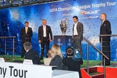 Troféu do UEFA Champions League da apresentação Imagens de Stock