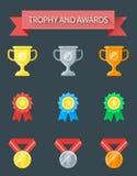 Trofee en toekenningspictogrammen Stock Illustratie
