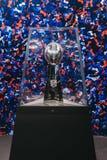 Trofeo de Superbowl en la exhibición en la experiencia en Times Square, Nueva York del NFL EE.UU. foto de archivo libre de regalías