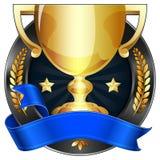 Trofeo del premio al successo in oro con il nastro blu Fotografia Stock