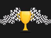 Trofeo dorato con la bandiera a quadretti in bianco e nero Fotografia Stock Libera da Diritti