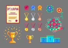Trofeos y medallas del arte del pixel fijados Foto de archivo libre de regalías