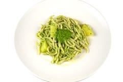 Trofie mit Pesto lizenzfreie stockfotos