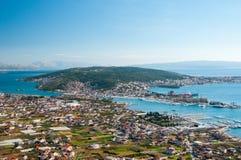 Trogir - en historisk stad och en hamn Fotografering för Bildbyråer