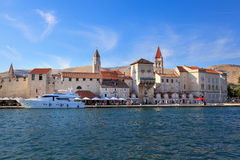 Trogir gammal stad, Kroatien Royaltyfri Bild