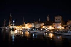 Trogir, Kroatië bij nacht Royalty-vrije Stock Foto