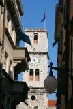 Trogir sikt på tornet och den gamla staden, Kroatien arkivbild