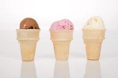 Trois épuisettes de crême glacé Photo libre de droits