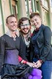 Trois amis de grimacerie de fluide de genre Images libres de droits