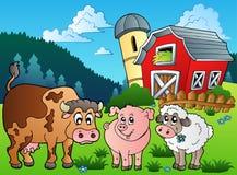 Trois animaux de ferme s'approchent de la grange
