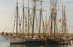 Trois bateaux grands dans Dana Point images stock
