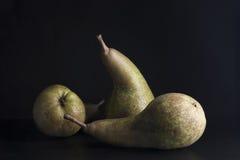 Trois belles poires vertes mûres photographie stock