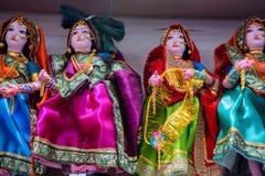Trois belles poupées indiennes dans la robe traditionnelle Images stock