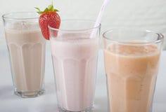 Trois boissons de smoothie dans une ligne Image libre de droits