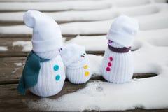 Trois bonhommes de neige de jouet Photo libre de droits