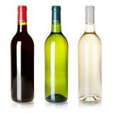 Trois bouteilles de vin fermées sans étiquettes photo libre de droits