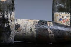 Trois bouteilles de vin de Murfatlar très vieilles Image libre de droits