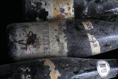 Trois bouteilles de vin de Murfatlar très vieilles Photo libre de droits