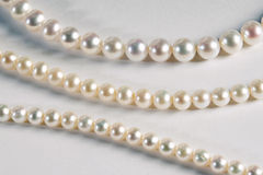 Trois brins différents des perles cultivées Photos stock
