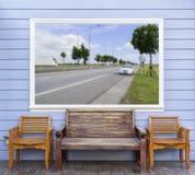 Trois chaises avec la photo d'emplacement de tache floue dans le cadre Images libres de droits
