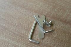Trois clés et sraffs en métal Photo libre de droits
