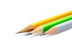 Trois crayons d'isolement de couleur photos libres de droits