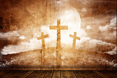 Trois croix dans une rétro salle Images stock
