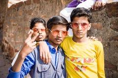 Trois enfants à la mode frais, Inde Image libre de droits