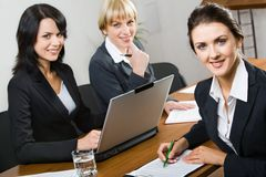 Trois femmes d'affaires photographie stock