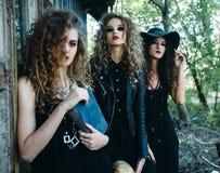 Trois femmes de vintage comme sorcières Images libres de droits