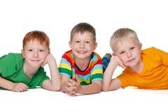 Trois garçons heureux Image libre de droits