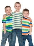 Trois garçons mignons de mode ensemble Photos libres de droits