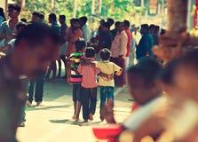 Trois jeunes amis Photographie stock libre de droits