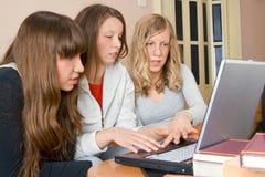 Trois jeunes femmes Photographie stock libre de droits