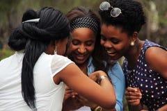 Trois jolies amies drôles Photos libres de droits