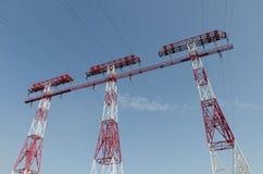 Trois lignes électriques de soutien Photographie stock libre de droits