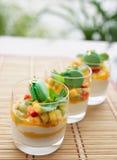 Trois macédoines de fruits photos stock