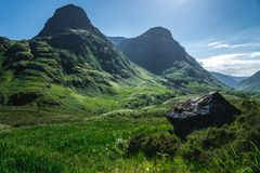 Trois montagnes de soeurs en vallée de Glancoe, Ecosse, R-U image libre de droits
