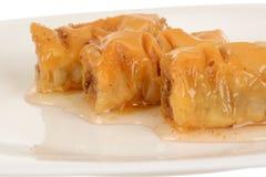 Trois morceaux de baklava douce de petit pain de dessert images stock