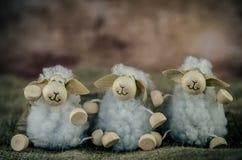 Trois moutons de jouet de ferme Photos libres de droits