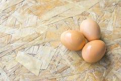 Trois oeufs sur la table Photo libre de droits