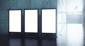 Trois panneaux d'affichage de publicité vides illustration de vecteur