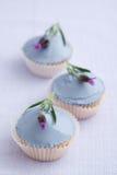 Trois petits gâteaux de lavande images libres de droits