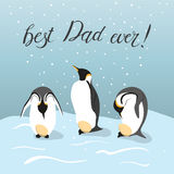 Trois pingouins d'empereur saisissant des oeufs Image stock