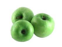 Trois pommes vertes images stock